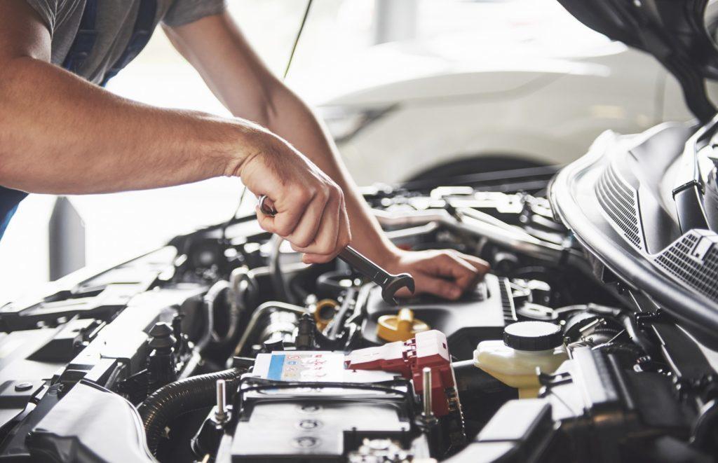 Astuces pour réduire le coût de son entretien auto